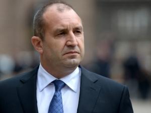 Президентът Радев посече с вето промени в Закона за отбраната