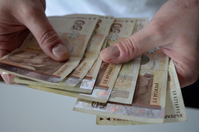 Българите с най-ниски доходи на Балканите, след нас са само албанците