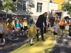 Кметът на Тракия откри еко кът с велоалея в детска градина СНИМКИ