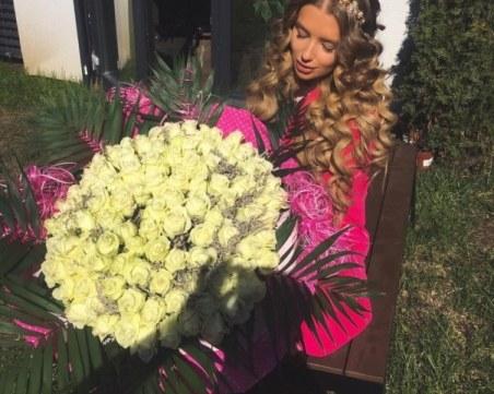 Велина Узунова разпуска в Дубай, ден след рожденния си ден