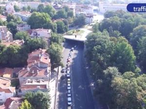 Без коли в центъра на Пловдив! Обяви ли кметът война на автомобилите? ВИДЕО