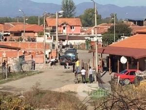 Тумба роми нападнаха с колове служители на Горското в Хисаря СНИМКИ