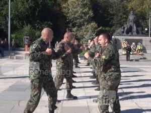 Бой с ножове и атрактивни хватки в центъра на Пловдив СНИМКИ и ВИДЕО