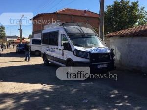 Полиция окупира ромска махала в Пловдивско! Търсят побойниците от снощи ВИДЕО