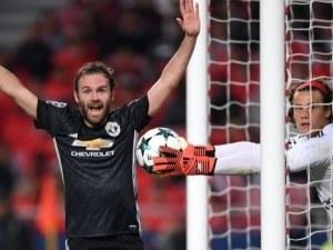 Куриозен гол носи победа на Манчестър Юн в Лисабон ВИДЕО