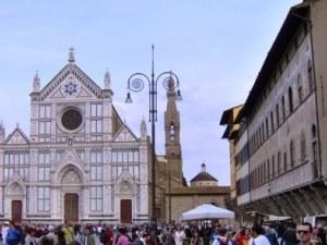 Смърт в базилика! Турист загина, ударен от отломка на храма