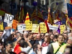 Испания сваля властта в Каталуния, насрочва нови местни избори