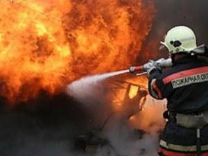 Фабрика за полиетилен пламна край Асеновград, щетите са за стотици левове