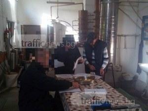 Митничари плъзнаха край Пловдив, търсят нелегални казани и алкохол ВИДЕО