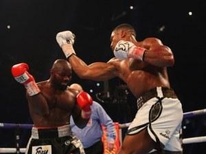 Джошуа е вкарал три пъти повече точни удари от Такам