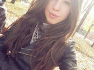 16-годишна ученичка от Строителния има нужда от помощ за спешна операция