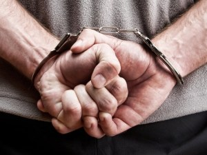 Арестуваха пловдивчанин, ограбил жена посред бял ден в центъра на града
