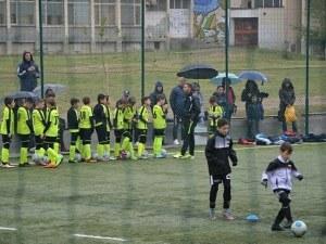 Пловдив Сити удари Локомотив и се качи на върха при набор 2007 СНИМКИ
