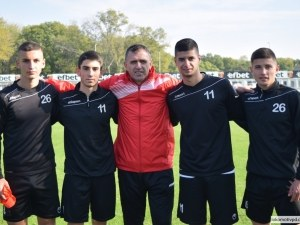 Акрапович повика 4-ма юноши в мъжкия тим на Локо