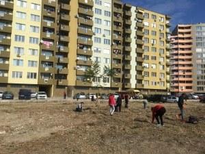 """Пред """"Гербера"""" светна! Граждани почистиха спорния район и призоваха за залесяване СНИМКИ"""