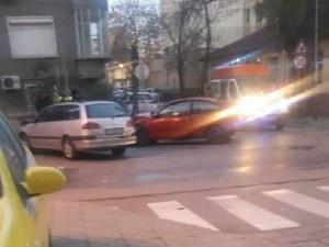 Катастрофа блокира улица в Кючука, има пострадал ВИДЕО