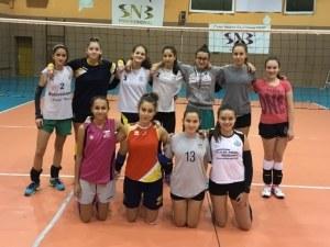 Изненада във волейбола - Виктория Волей с момичета, Марица с момчета