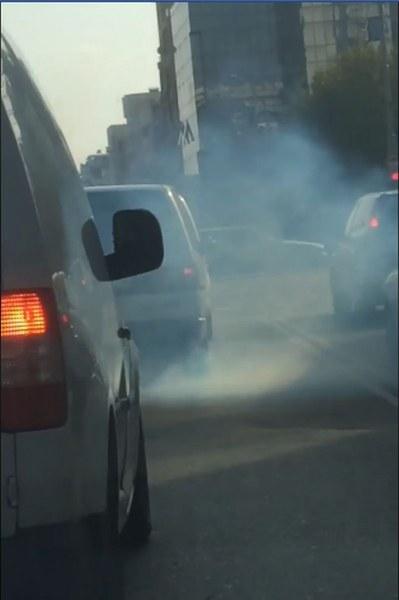 Димна завеса! Автомобил опуши пловдивски булевард СНИМКИ