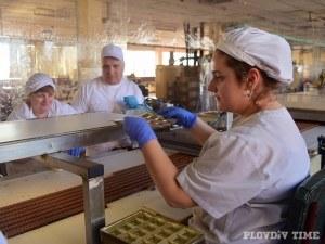 Историята на едно пловдивско семейство, което произвежда най-вкусните бонбони под тепетата СНИМКИ