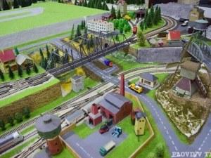 Пловдивчанин построи град от влакчета СНИМКИ