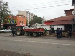 Масирана полицейска акция в Столипиново, конфискуват крадени дърва и перилни препарати ВИДЕО