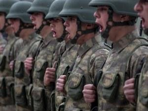 Масови арести в Турция: Задържаха полицаи, учители и войници заради опита за преврат