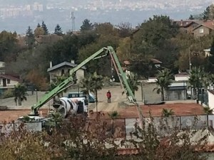 Докато скандалите вървят: Д-р Енчев форсира строителството на цеха си ВИДЕО