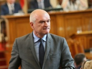 След скандала: Депутатите гласуват оставката на парламентарния шеф днес