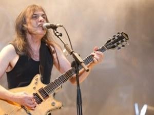 Почина легендарният китарист Малкълм Йънг от AC/DC