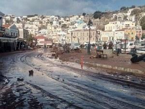 Жертвите на потопа в Гърция вече са 20