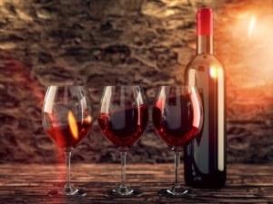 Червеното вино удължава живота с 10 години