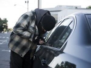 Четири хитрини, с които да предпазим колата от кражба