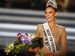 Южноафриканка стана новата Мис Вселена ВИДЕО