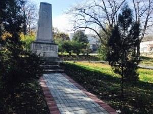 Ремонтират емблематичен паметник в Куклен