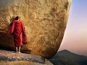 Монах от Тибет се самозапали