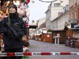Откриха бомба на коледен базар, евакуираха центъра на град в Германия