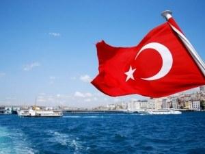 Турция забрани боядисването на коса в черно, засегнати са мъжете