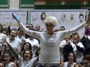 Рекордьорката Ваня година след като счупи рекорда на Гинес ВИДЕО