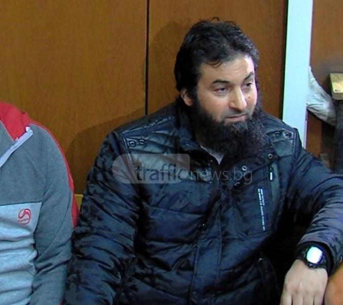 Посрещнаха Ахмед Муса като герой в Пазарджик ВИДЕО