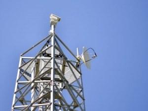 Силен вятър повали метеорологичната кула в Родопите