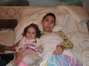 Трагедия сполетява самотна майка, жената има нужда от работа и помощ СНИМКА