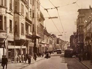 Когато жигулита, файтони и тролеи кръстосваха Главната на Пловдив СНИМКИ