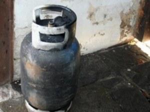 Газова бутилка се взриви в къща, жена е пострадала тежко