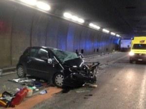 Тежка катастрофа в тунел, има жертви