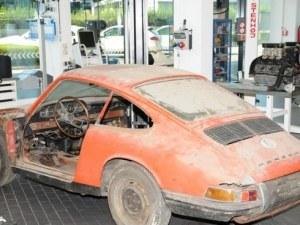 Порше реставрира спортния модел 911 от 1964 година