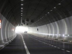 Уникално съоръжение монтират в тунела между София и Пловдив