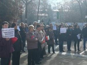 Девин се вдигна на протест заради скъпата вода, жителите заплашиха, че спират да плащат