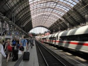 Българинът, който наръга двама на жп гара във Франкфурт, чувал гласове