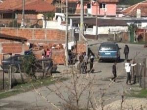 Роми нападнаха горски служители с брадви, мачете и моторни триони