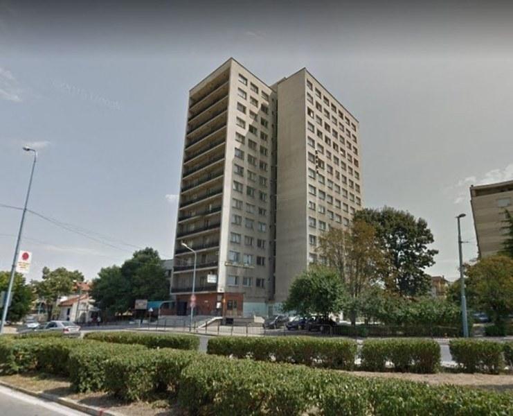 """Никой ли не иска да си купи огромен хотел в Пловдив? Цената на """"Дунав"""" падна под 6 милиона"""